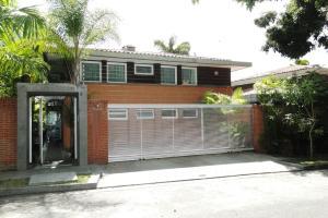 Casa En Venta En Caracas, La Lagunita Country Club, Venezuela, VE RAH: 16-2997