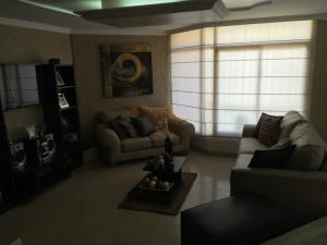 Apartamento En Venta En Maracaibo, La Lago, Venezuela, VE RAH: 16-3028