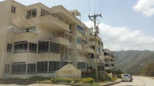 Apartamento En Venta En Caracas, Bosques De La Lagunita, Venezuela, VE RAH: 16-3181