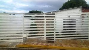 Casa En Venta En Charallave, Vivienda De Salamanca, Venezuela, VE RAH: 16-3102