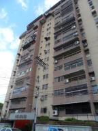 Apartamento En Venta En Maracay, Urbanizacion El Centro, Venezuela, VE RAH: 16-3271