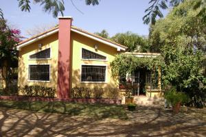 Casa En Venta En Valencia, Safari Country Club, Venezuela, VE RAH: 16-3134
