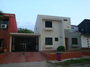 Casa En Ventaen Valencia, Parque Mirador, Venezuela, VE RAH: 16-3139
