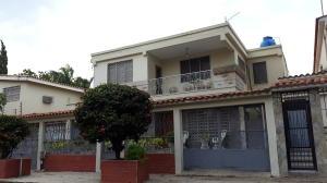 Casa En Venta En Valencia, Trigal Sur, Venezuela, VE RAH: 16-3172
