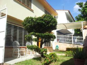 Casa En Venta En Valencia, Trigal Centro, Venezuela, VE RAH: 16-4079