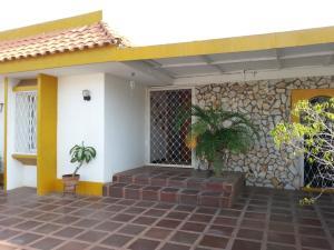 Casa En Venta En Maracaibo, El Portal, Venezuela, VE RAH: 16-3224