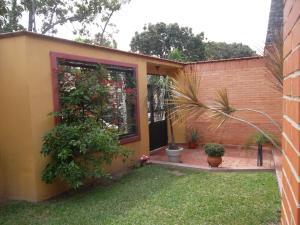 Casa En Venta En Valencia, Trigal Norte, Venezuela, VE RAH: 16-3235