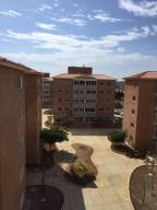 Apartamento En Venta En Punto Fijo, Casacoima, Venezuela, VE RAH: 16-3337