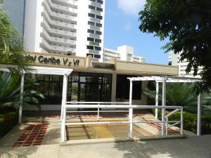 Apartamento En Venta En Parroquia Caraballeda, La Llanada, Venezuela, VE RAH: 16-3370