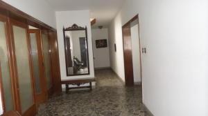 Casa En Venta En Caracas, Santa Monica, Venezuela, VE RAH: 16-3428