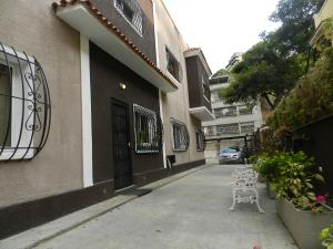 Apartamento En Venta En Caracas, Las Mercedes, Venezuela, VE RAH: 16-3423