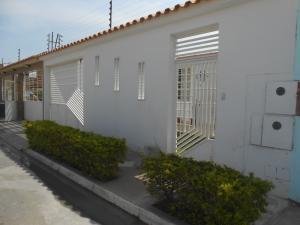 Casa En Venta En Cagua, El Bosque, Venezuela, VE RAH: 16-3461