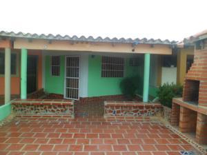 Casa En Venta En Chichiriviche, Flamingo, Venezuela, VE RAH: 16-3483