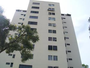 Apartamento En Venta En Valencia, Valles De Camoruco, Venezuela, VE RAH: 16-3492