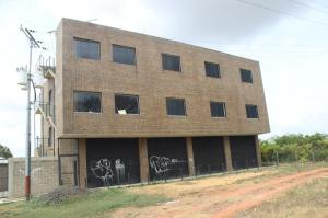 Edificio En Alquileren Santa Teresa, La Raiza, Venezuela, VE RAH: 16-3520