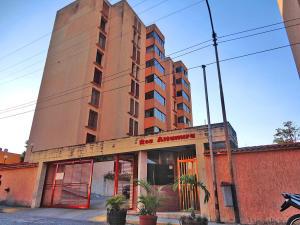 Apartamento En Venta En Los Teques, Santa Maria, Venezuela, VE RAH: 16-3535