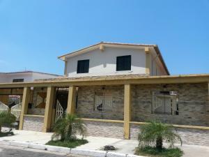 Casa En Venta En Valencia, Trigal Sur, Venezuela, VE RAH: 16-3543