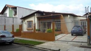 Casa En Venta En Valencia, Prebo Ii, Venezuela, VE RAH: 16-3545