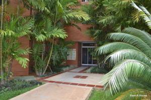 Apartamento En Venta En Maracaibo, Circunvalacion Uno, Venezuela, VE RAH: 16-3574