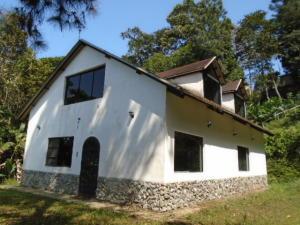 Casa En Venta En Municipio Naguanagua, La Entrada, Venezuela, VE RAH: 16-3756