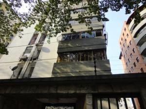 Apartamento En Venta En Valencia, Prebo I, Venezuela, VE RAH: 16-3596