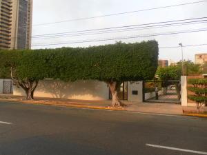 Terreno En Venta En Maracaibo, La Lago, Venezuela, VE RAH: 16-3700
