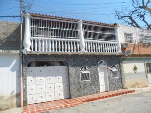 Casa En Venta En Turmero, El Macaro, Venezuela, VE RAH: 16-3698