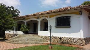 Casa En Venta En Valencia, Guataparo, Venezuela, VE RAH: 16-3696