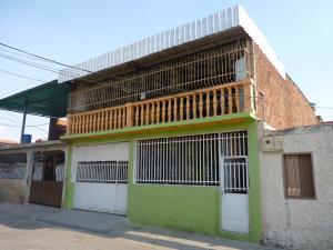 Casa En Ventaen Turmero, El Macaro, Venezuela, VE RAH: 16-3706