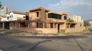 Casa En Venta En Valencia, Valles De Camoruco, Venezuela, VE RAH: 16-3711