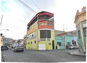 Casa En Venta En Caracas, San Agustin Del Norte, Venezuela, VE RAH: 16-3514