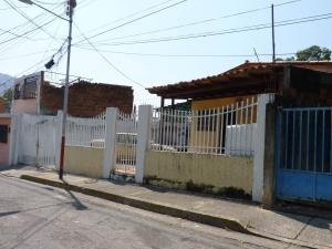 Casa En Venta En Maracay, El Limon, Venezuela, VE RAH: 16-3743