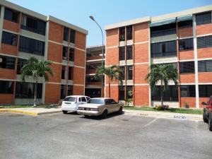 Apartamento En Venta En Maracay, Bosque Alto, Venezuela, VE RAH: 16-3751