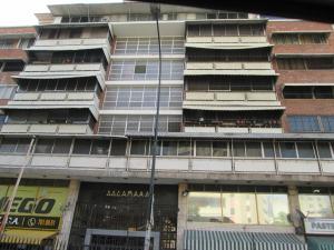 Apartamento En Venta En Caracas, Las Palmas, Venezuela, VE RAH: 16-3805