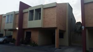 Townhouse En Venta En Municipio Naguanagua, El Rincon, Venezuela, VE RAH: 16-3816