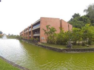 Apartamento En Venta En Caracas, La Lagunita Country Club, Venezuela, VE RAH: 16-4063