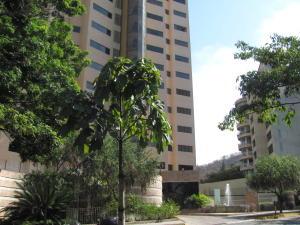 Apartamento En Venta En Valencia, Valles De Camoruco, Venezuela, VE RAH: 16-3945