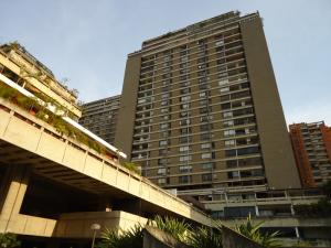 Apartamento En Venta En Caracas, Prados Del Este, Venezuela, VE RAH: 16-3947