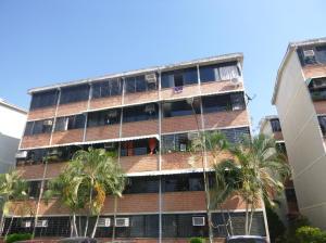 Apartamento En Venta En Guarenas, Ciudad Casarapa, Venezuela, VE RAH: 16-3961