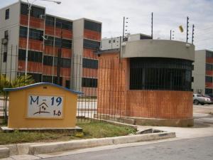Apartamento En Venta En Municipio Los Guayos, Buenaventura, Venezuela, VE RAH: 16-3964