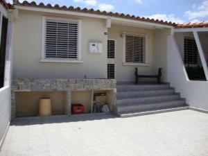Casa En Venta En Cabudare, Parroquia José Gregorio, Venezuela, VE RAH: 16-4003