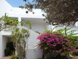 Casa En Venta En Maracaibo, Avenida El Milagro, Venezuela, VE RAH: 16-4157