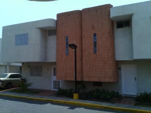 Townhouse En Venta En Maracaibo, Los Olivos, Venezuela, VE RAH: 16-7969