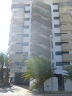 Apartamento En Venta En Margarita, Costa Azul, Venezuela, VE RAH: 16-4042