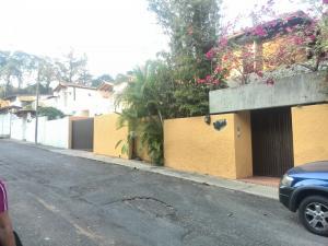Casa En Venta En Caracas, La Lagunita Country Club, Venezuela, VE RAH: 16-4057
