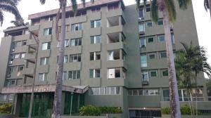Apartamento En Venta En Valencia, La Viña, Venezuela, VE RAH: 16-4069