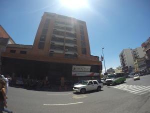Apartamento En Venta En Caracas, San Martin, Venezuela, VE RAH: 16-4072