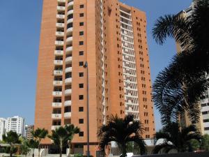Apartamento En Venta En Valencia, Valle Blanco, Venezuela, VE RAH: 16-4162