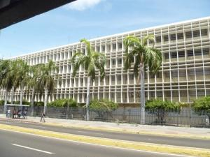 Local Comercial En Alquiler En Maracaibo, 5 De Julio, Venezuela, VE RAH: 16-4123