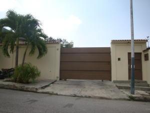 Casa En Ventaen Maracay, El Castaño (Zona Privada), Venezuela, VE RAH: 16-4133